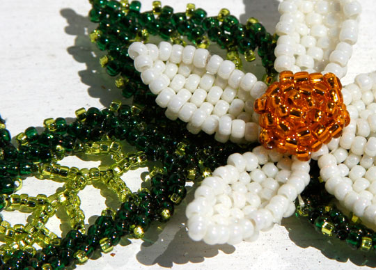 Flower with Leaves - Bead Bracelet - Detail