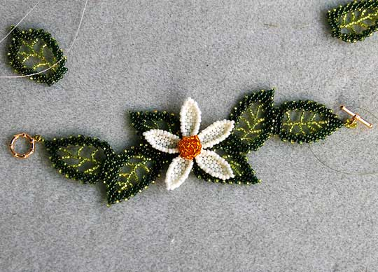 Beaded Bracelet Flower with Leaves
